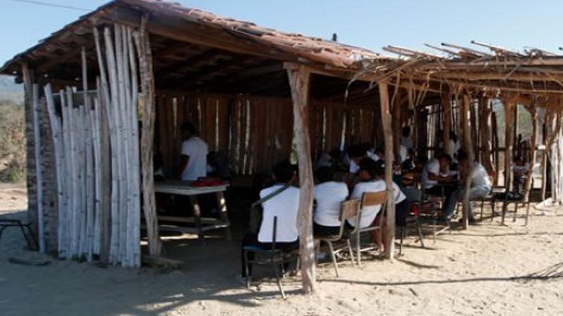 El viacrucis para los niños en escuelas de Guerrero